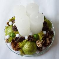 Karácsonyi asztaldísz zöld színben