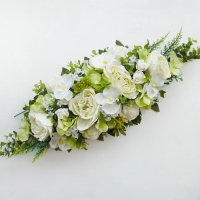Zöld esküvői főasztaldísz selyemvirágból