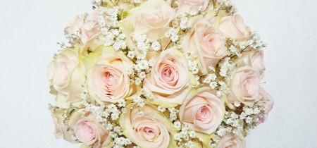 Rózsás menyasszonyi csokor
