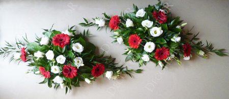 Asztaldísz nemzeti színekben, piros fehér zöld virágokból
