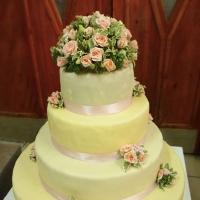 25 Esküvői torta virág díszítés