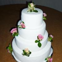 08 Esküvői torta virág díszítés