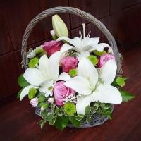 Szülőköszöntő virágkosár 23